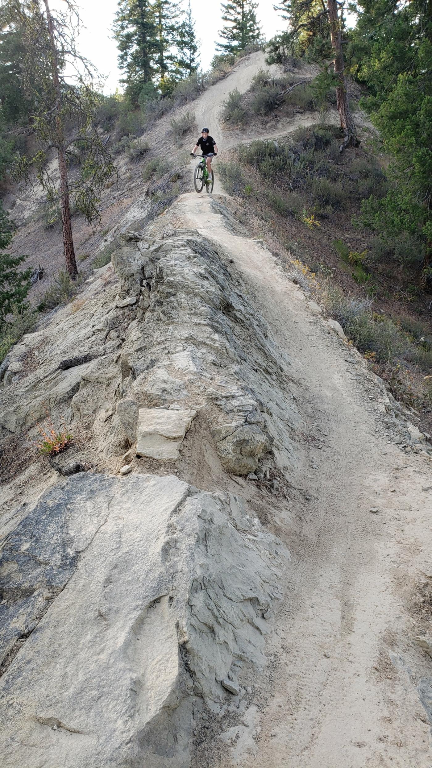 narrow singletrack black diamond rosy boa leavenworth mountain bike tour washington cascadia